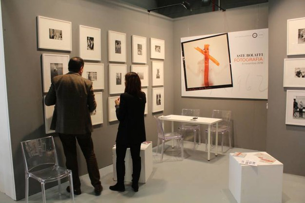 Fra gli stand espositivi di Mia Photo Fair