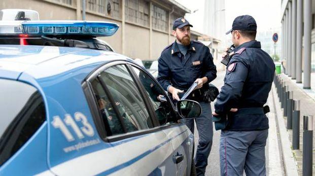 Gli agenti del commissariato proseguono i controlli sul territorio