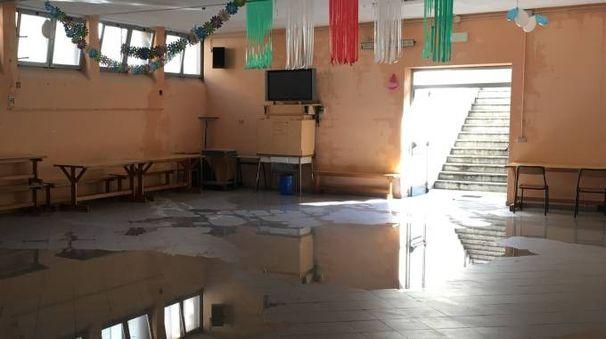 Un'aula allagata