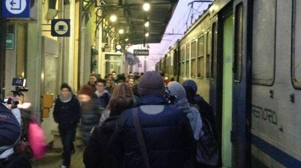 Pendolari alla stazione di Crema