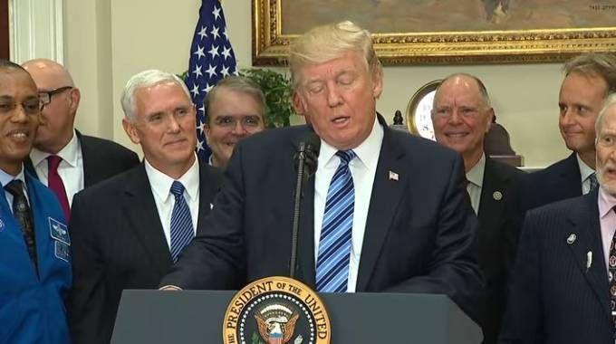 Trump annuncia i dazi su alluminio e acciaio (da youtube White House)