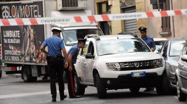 Il suv del fuggitivo bloccato in via Roma a Macherio
