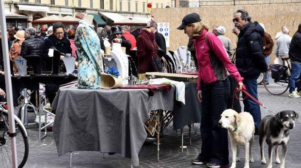 Un mercatino in piazza