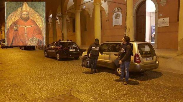 La polizia davanti alla Pinacoteca