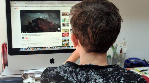 Lotta al cyberbullismo (foto archivio Newpress)