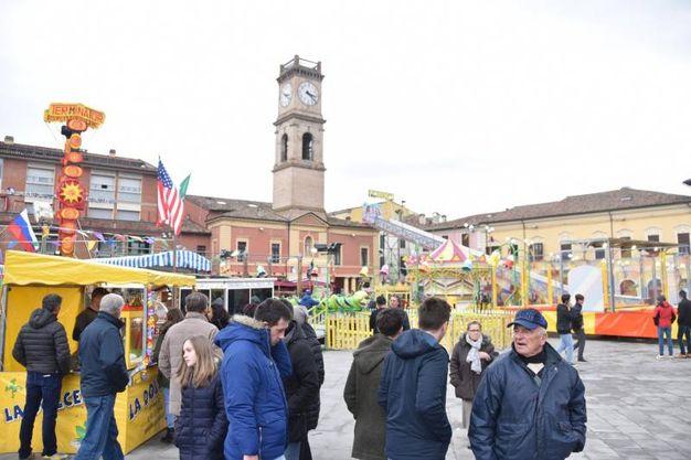 La Segavecchia di Forlimpopoli è la più antica festa della Romagna, attestata sin dal 1300 affonda le proprie radici ai culti pagani di passaggio delle stagioni, quando si segava o bruciava un fantoccio fatto di sterpi per propiziare la bella stagione alla fine dell'inverno (Foto Fantini)