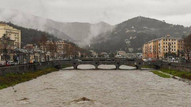Genova, lo stato del torrente Bisagno nei pressi dello stadio (Ansa)