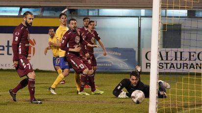 Fermana-Reggiana durante la scorsa stagione (foto Zeppilli)