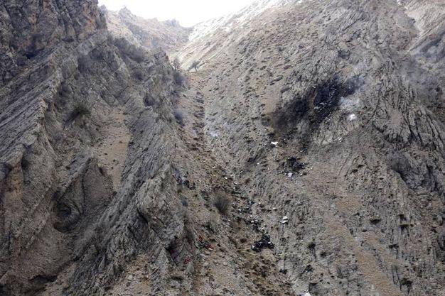 Jet Privato Caduto : Addio al nubilato tragico jet si schianta morte mina