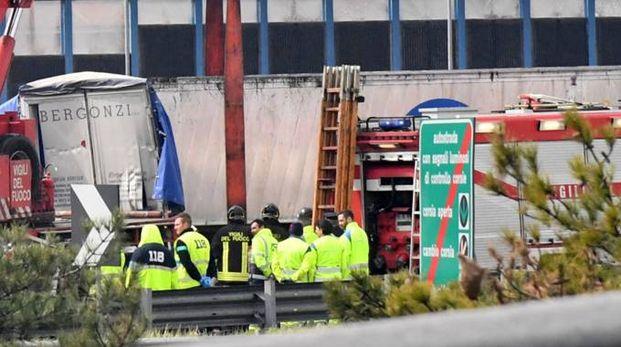 Incidente mortale in A14 (Foto Schicchi)