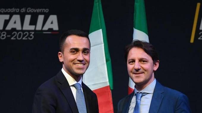 Luigi Di Maio e Pasquale Tridico (Ansa)