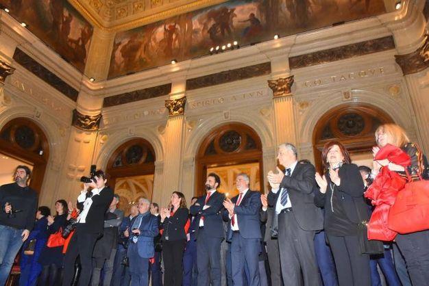 Applausi e ammirazione per l'edificio cinquecentesco riportato a nuova vita (foto Artioli)