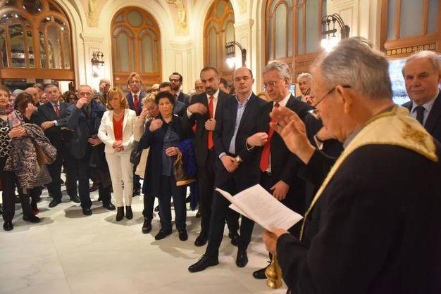 La benedizione di monsignor Gazzotti (foto Artioli)