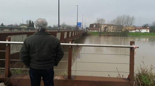 La piena al ponte di Sorbolo