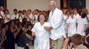 L'ultima sfilata nel luglio 1995 con le sarte (Ansa)