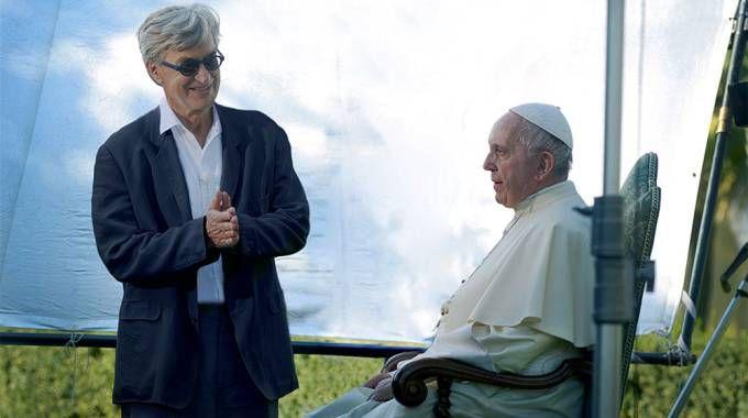 Wim Wenders e Papa Francesco sul set del documentario – Foto: Arturo Delle Donne