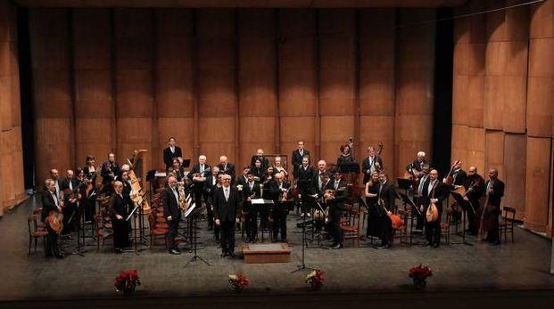L'attuale Orchestra al plettro Gino Neri a teatro