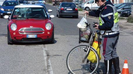Un anziano ciclista è rimasto coinvolto in un grave incidente questa mattina in via Flaminia