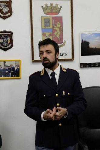 Il dirigente della squadra mobile di Forlì Mario Paternoster illustra i dettagli cesenati e forlivesi della vicenda (foto Frasca)