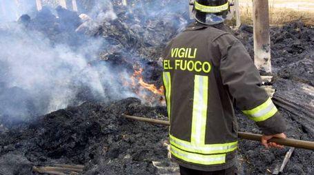 Sono intervenuti in forze i vigili del fuoco da Forlì e da Cesena e hanno lavorato oltre tre ore