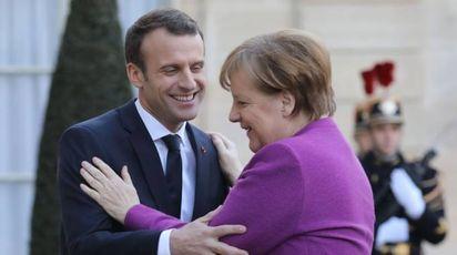 Emmanuel Macron e Angela Merkel (Lapresse)
