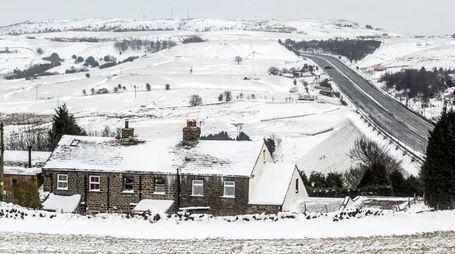 Previsioni meteo, torna il gelo sull'Europa e l'inverno in Italia (foto Lapresse)