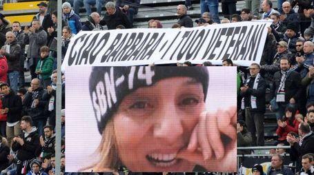 Striscione allo stadio per Barbara Olori