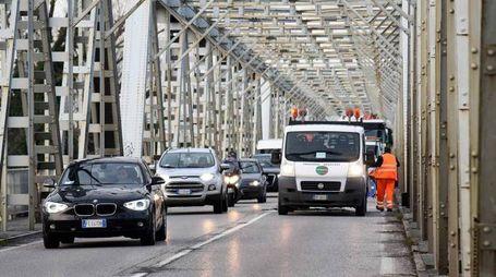 Il ponte sul Po tra i comuni di  Ferrara e Occhiobello