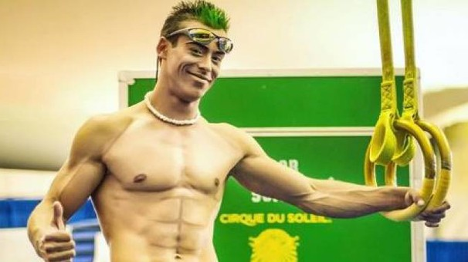 Yann Arnaud, 38 anni, l'acrobata del Cirque du Soleil morto dopo una caduta (Instagram)