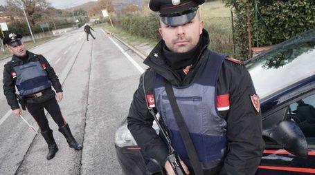 Carabinieri a un posto di blocco (Acerboni / FotoCastellani)