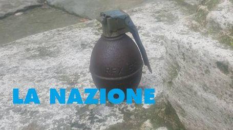 La bomba trovata vicino alla caserma dei carabinieri