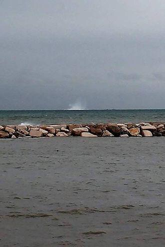 La bomba è stata fatta brillare in mare (Fotoprint)