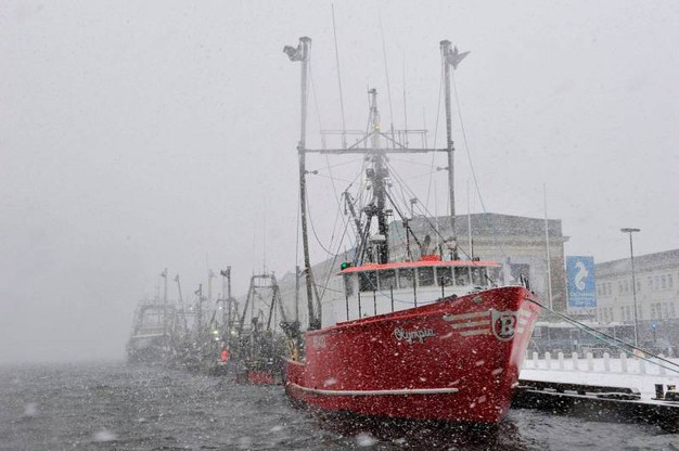 Boston, impossibile andar per mare. I pescatori fermi (Lapresse)