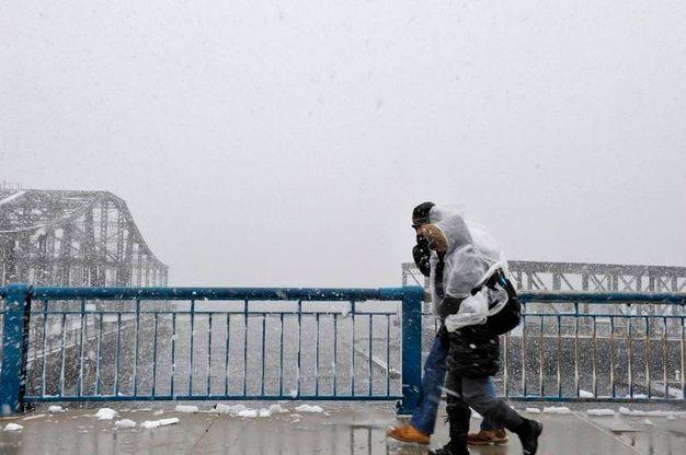 PAsseggiata sul ponte di Boston (Lapresse)