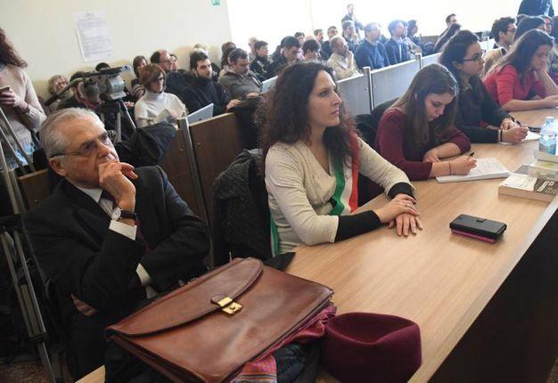 Da sinistra, il presidente dell'associazione dei familiari delle vittime Paolo Bolognesi e  la consigliera comunale Federica   Mazzoni (FotoSchicchi)