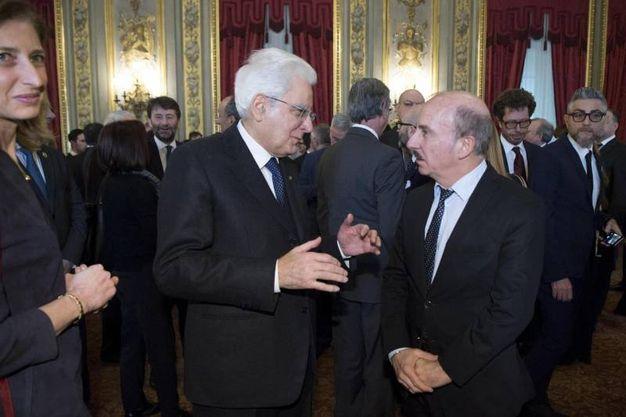 Mattarella con Carlo Buccirosso (Ansa)
