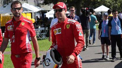 Vettel pronto a scendere in pista a Melbourne (Lapresse)