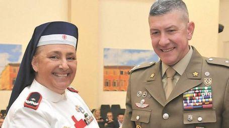Monica Dialuce Gambino e il comandante Stefano Mannino
