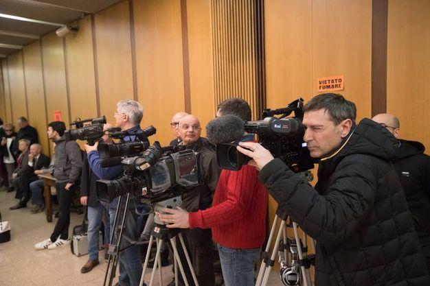 Tanti i giornalisti in aula (foto Zani)
