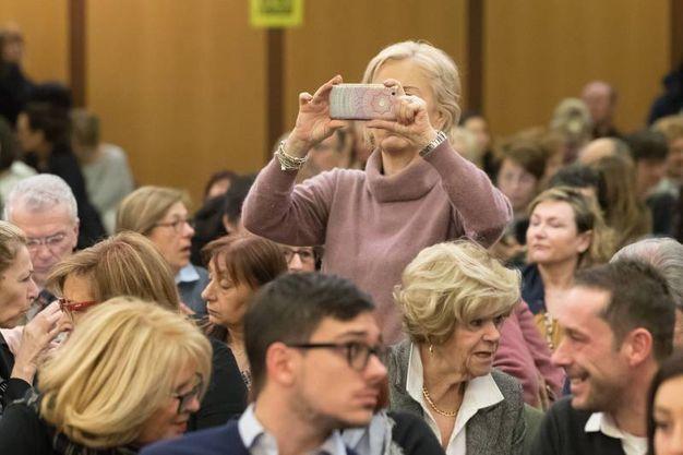 Molti curiosi in aula (foto Zani)