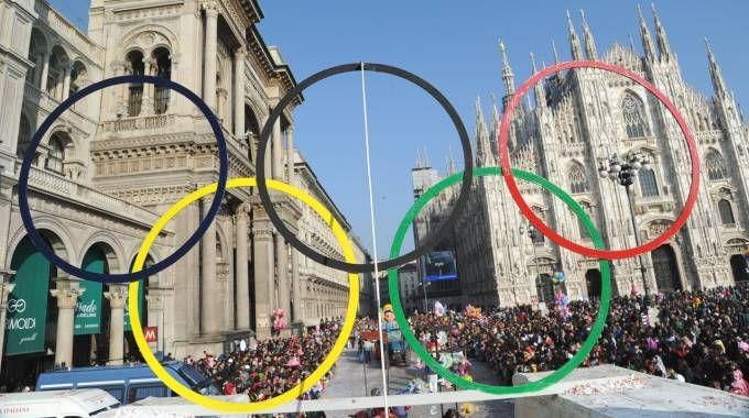 Piazza Duomo a Milano in versione cinque cerchi