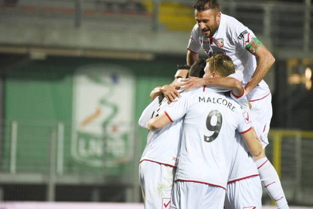 L'esultanza dopo il gol di Melchiorri (foto Fiocchi)
