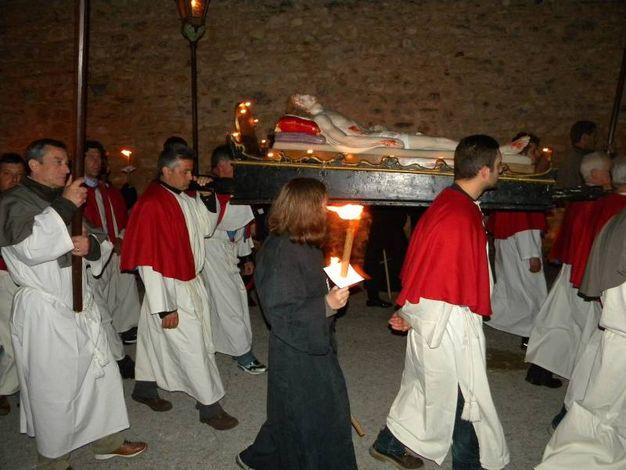 Alla Via Crucis di Norcia partecipano centinaia di figuranti in costume