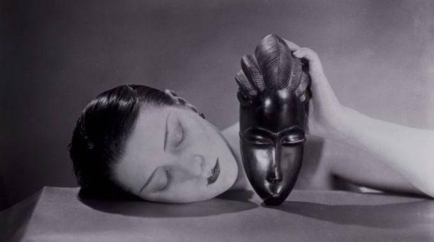 Noire et blanche, 1926 fotografia/photograph new print, 1980 © Man Ray Trust by SIAE 2018