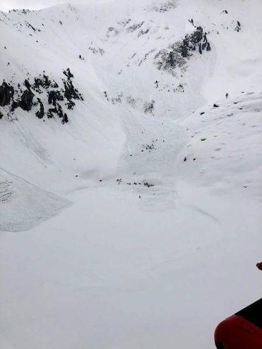 Una veduta del distacco della valanga al Colle di Chamolé (Ansa)
