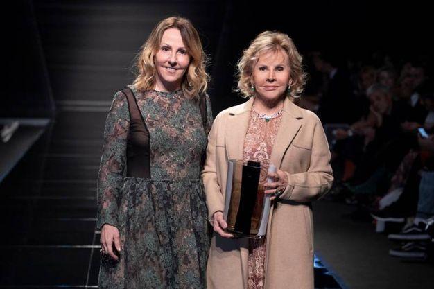 Anna Molinari, fondatrice e direttore creativo di Blumarine, riceve il riconoscimento alla carriera 'Sì Sposaitalia Award'