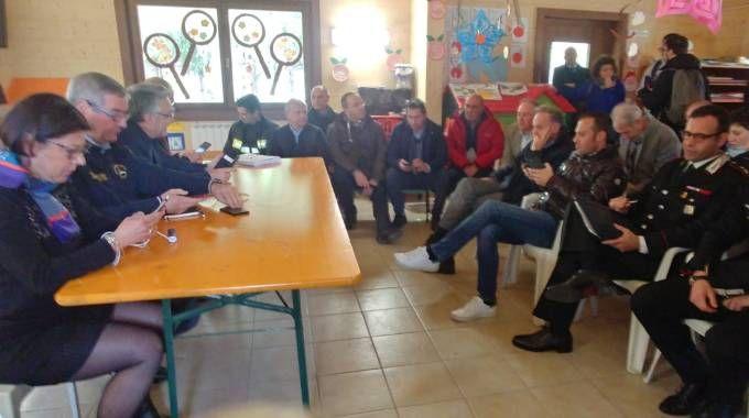 Il summit dei sindaci con i vertici della protezione civile a Pieve Torina