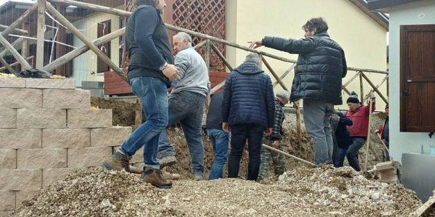 Lavoro in corso all'area delle casette a Pieve Torina
