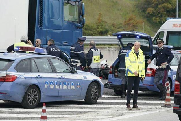 I rilievi della polizia autostradale (foto Zeppilli)