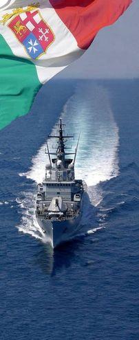 Il pattugliatore di squadra Bersagliere (foto Marina Militare)